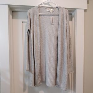 NWT🍁 LOVE THE TEXTURE, BKE grey cardigan, Small